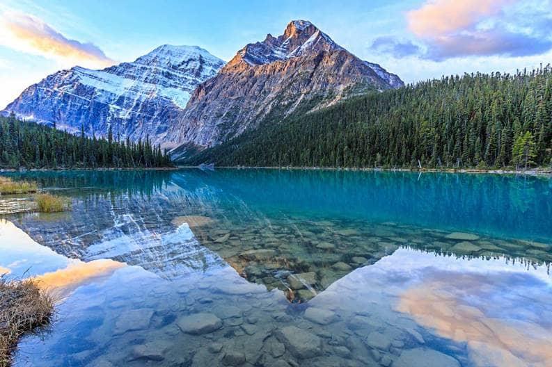 canada-edith-cavell-lake